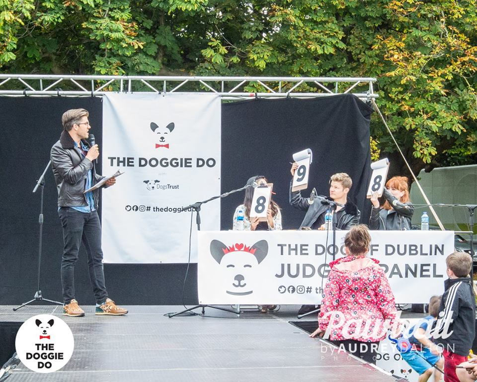 Darren with our judging panel for the Dog of Dublin 2016