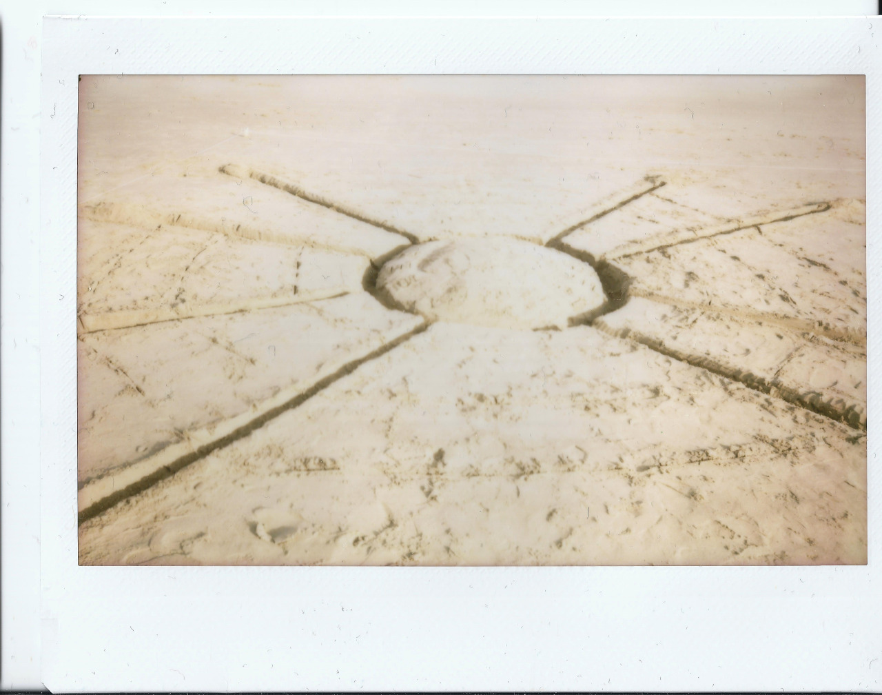 Polaroid 1 - Artefact 1.0