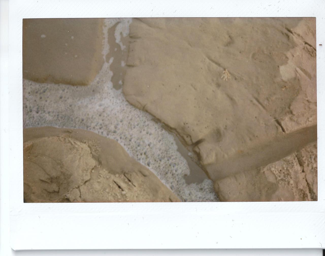 Polaroid 2 - Artefact 1.1