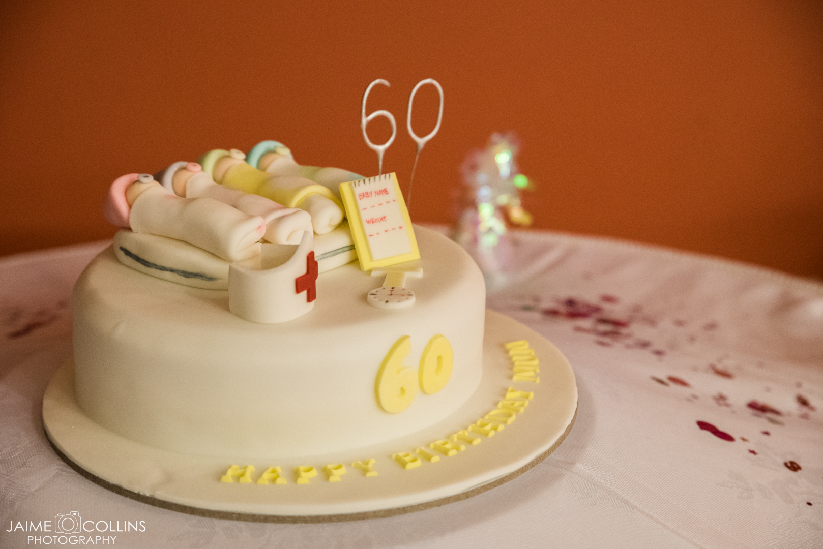 This amazing cake was made for the special occasion