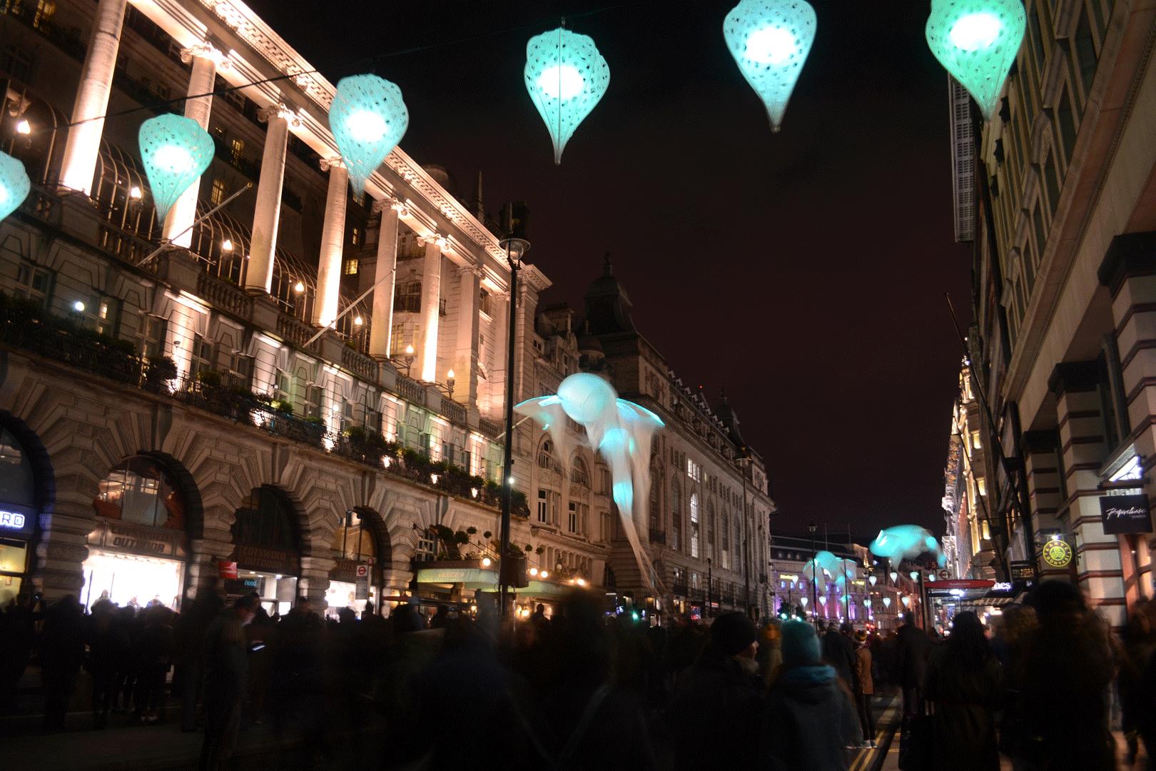 Les Luminéoles,Porté par le vent (Piccadilly)