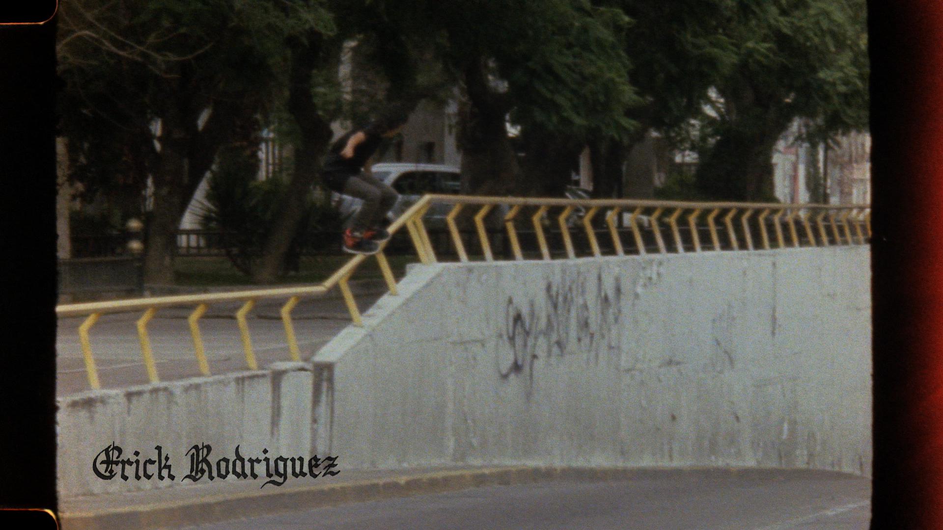 HERMANOS_01_MEXICO_DIGITAL_FINAL.01_04_51_09.Still005.jpg