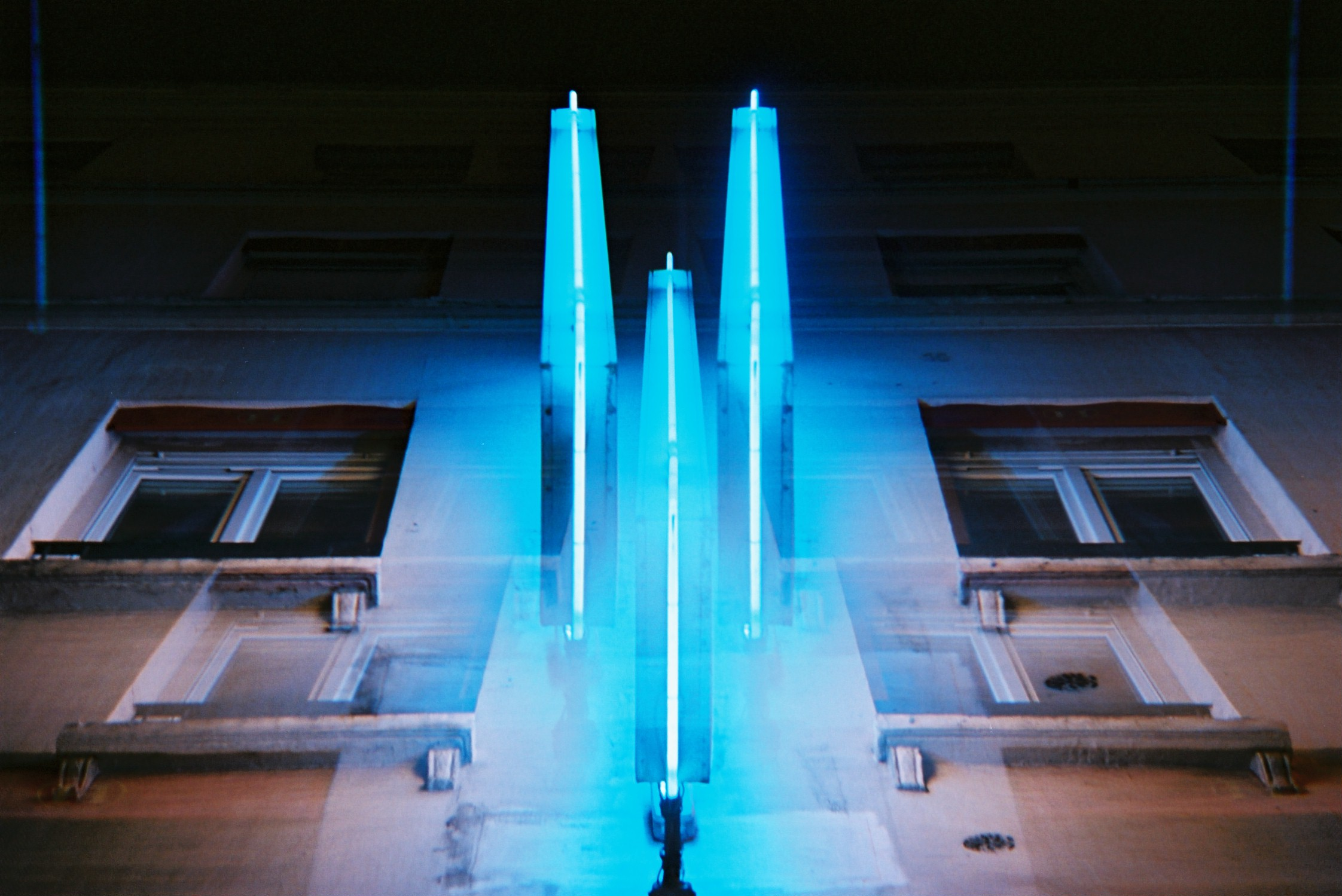 alexis dubourdieu - blue - invisible serie.JPG