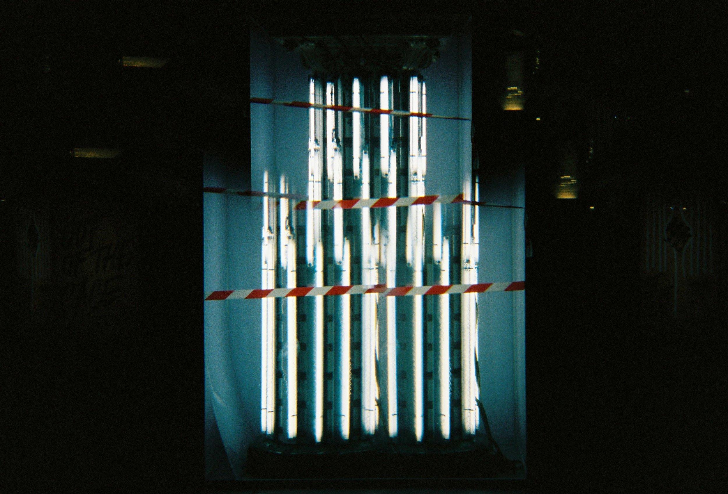 alexis dubourdieu - metro tubes 2 - invisible serie.JPG