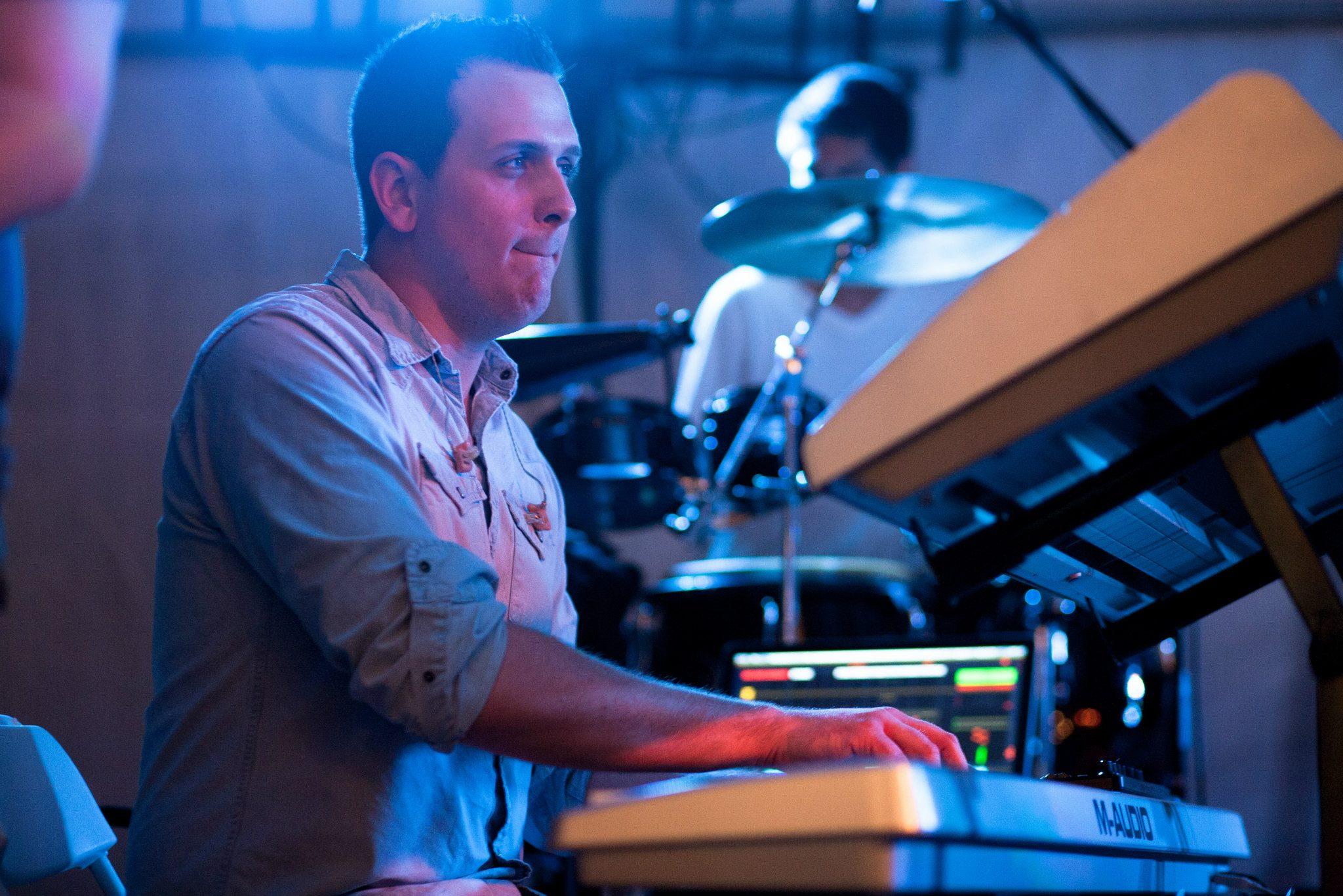 Matthew Billings (Aux Keyboards/Synth)