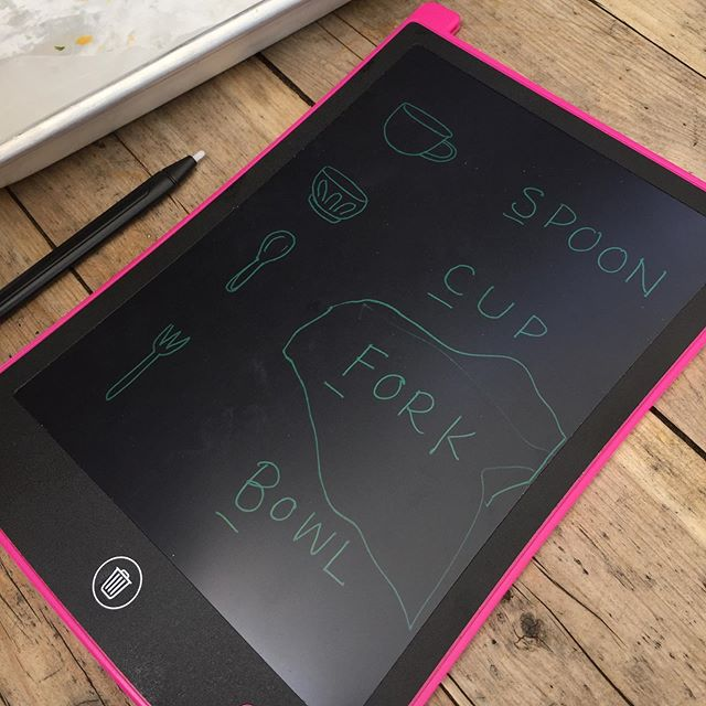 Playing a matching game with my little one today over lunch at @swamprabbitcafe — thanks to @kmccormick05 for the idea! — i drew out the items and wrote the words for M to match. This drawing tablet erases over and over so you can make a bajillion picture/word games without going thru a ream of paper 😁