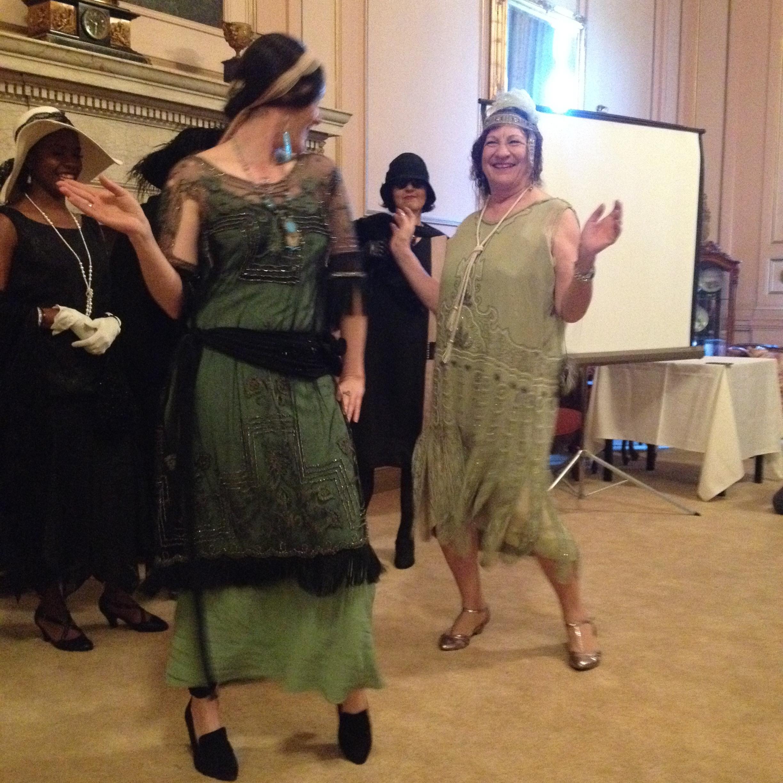 Dancing vamps in vintage green & black