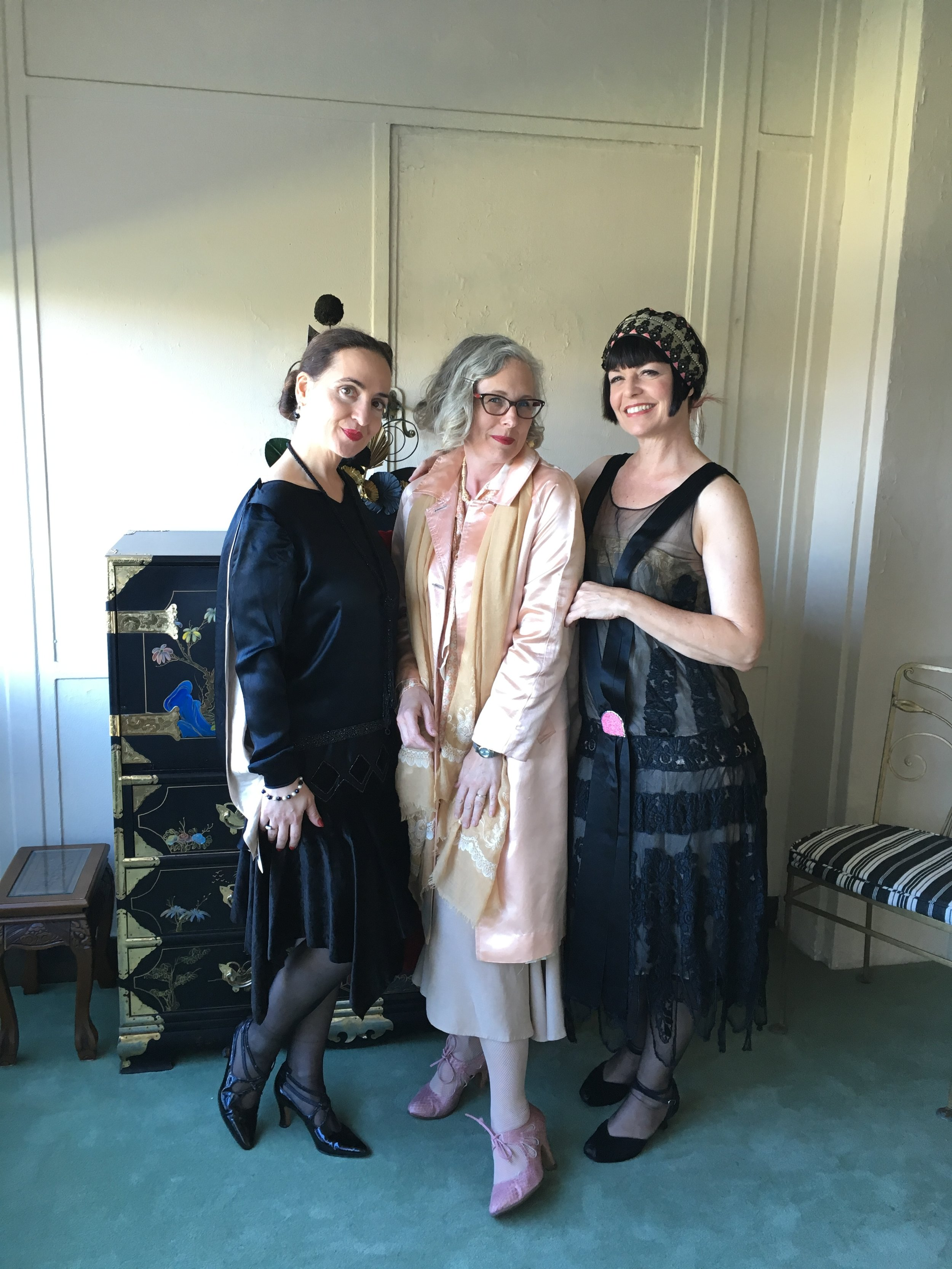Flanked by the gorgeous Leah & Tara, I'm wearing a me made skirt and blouse with a vintage satin coat.