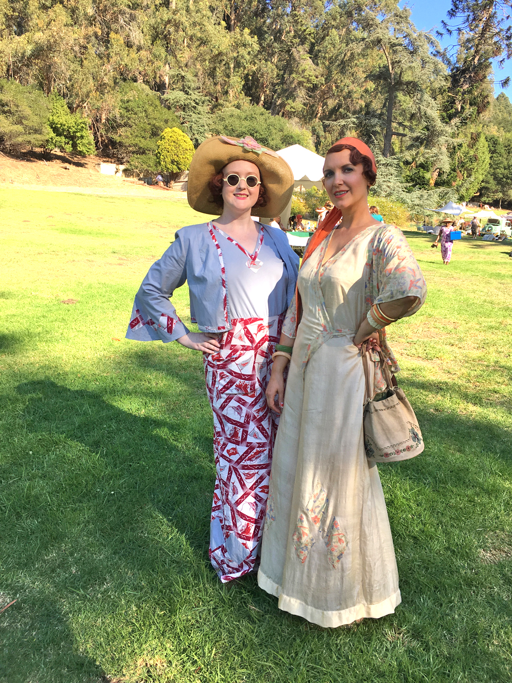 Beach Pajamas done two ways fabulously - on the left, Laura wears a newly hand made pair (aka @winters.lore) and Halsey (aka @halseyandthehihats) on the right wears a true vintage ensemble.