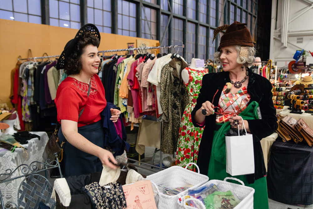 DAISY_COBY_2018_ALAMEDA_VINATAGE_FASHION_FAIRE_1120Resized.jpg