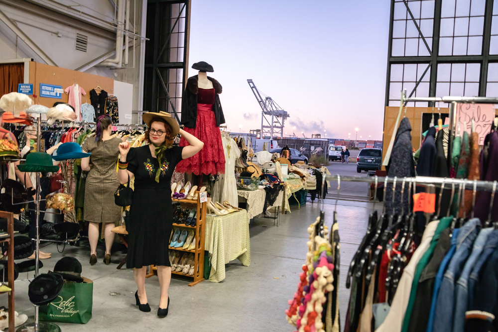 DAISY_COBY_2018_ALAMEDA_VINATAGE_FASHION_FAIRE_1093Resized.jpg