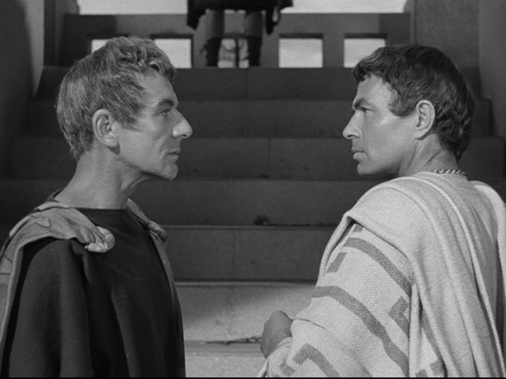 John Gielgud (Cassius) and James Mason (Brutus) doing what true friends do -- 5 minutes of uninterrupted eye contact.