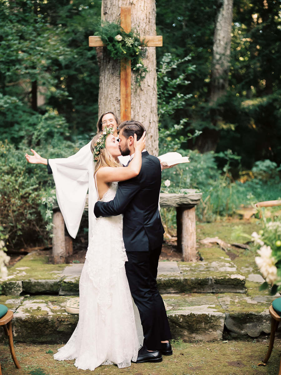 Bedford-New-York-Wedding-Chapel-in-the-Woods-044.jpg