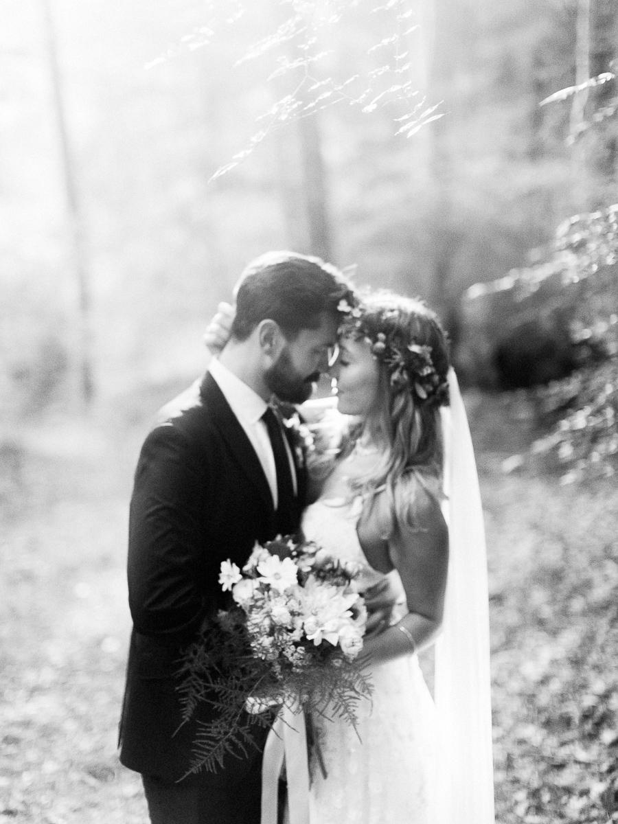 Bedford-New-York-Wedding-Chapel-in-the-Woods-053.jpg