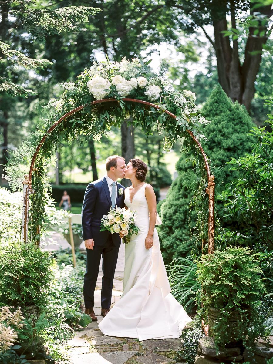 darien-ct-tokeneke-club-wedding-022.jpg