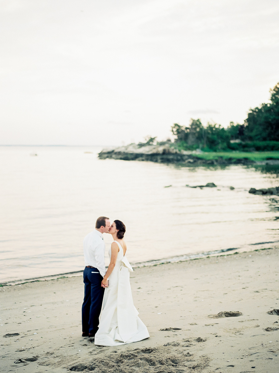 darien-ct-tokeneke-club-wedding-068.jpg