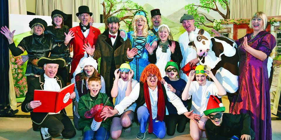 panto troup toffee 2018.jpg