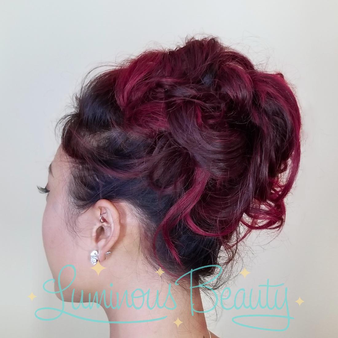 10-05-18  Softly Messy Bridesmaids Hair. Minneapolis Wedding Stylist. Luminous Beauty Stylist. Best of The Knot Weddings Stylist..png