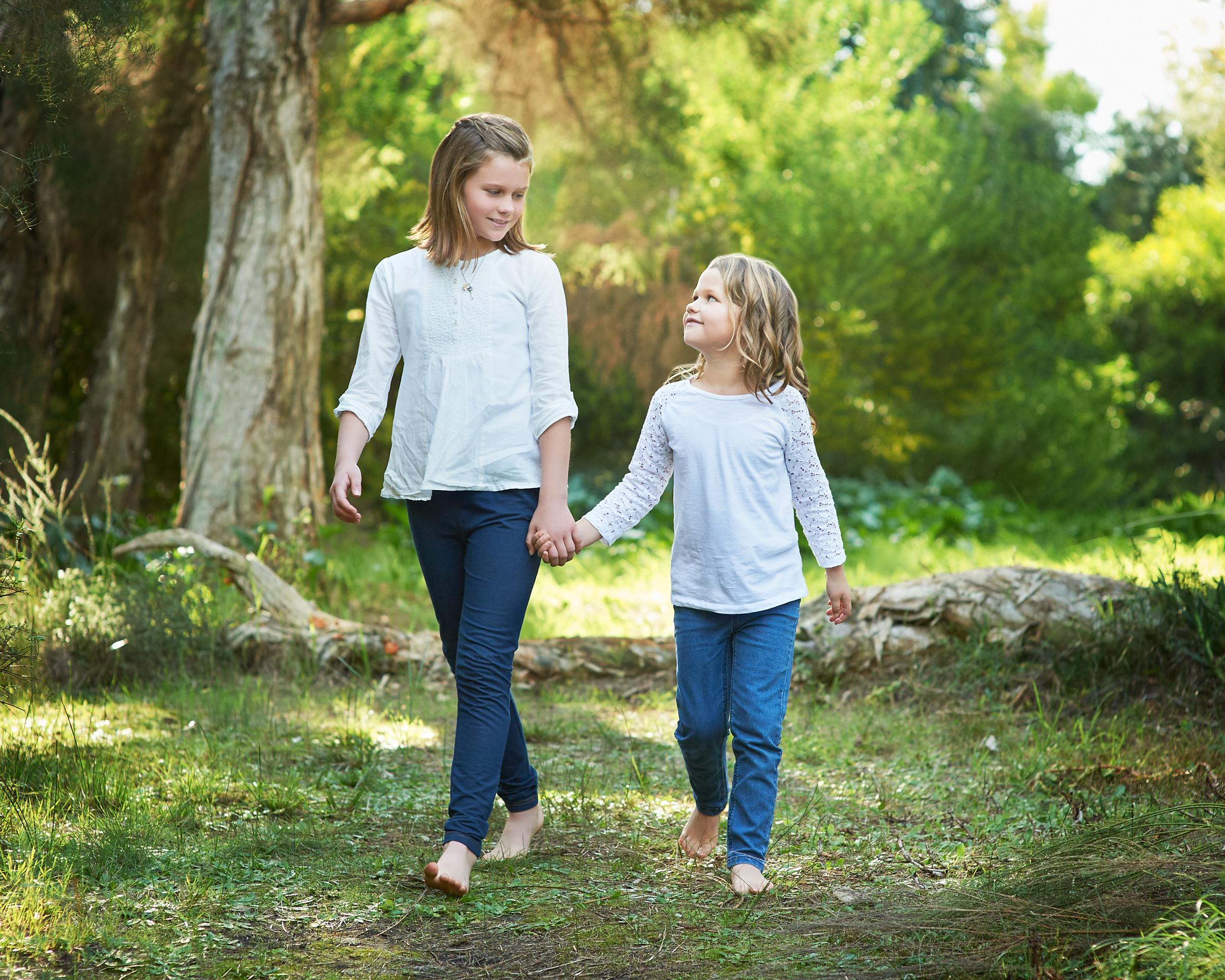 outdoor sister photos