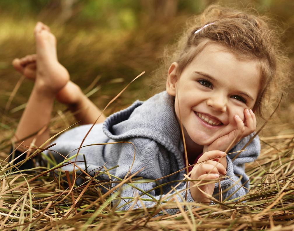 Natural kids photos outdoors