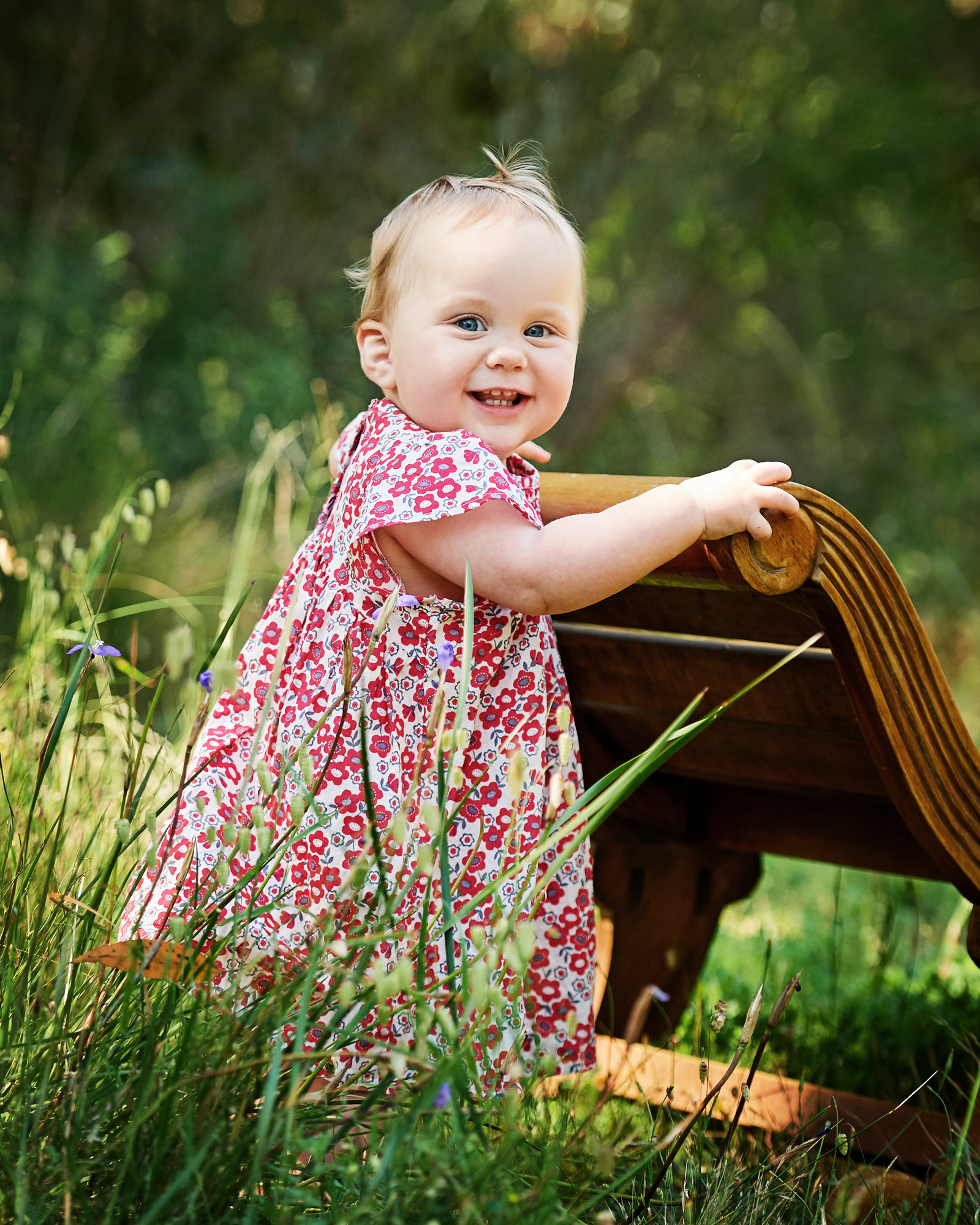 Little girl outdoor professional photo