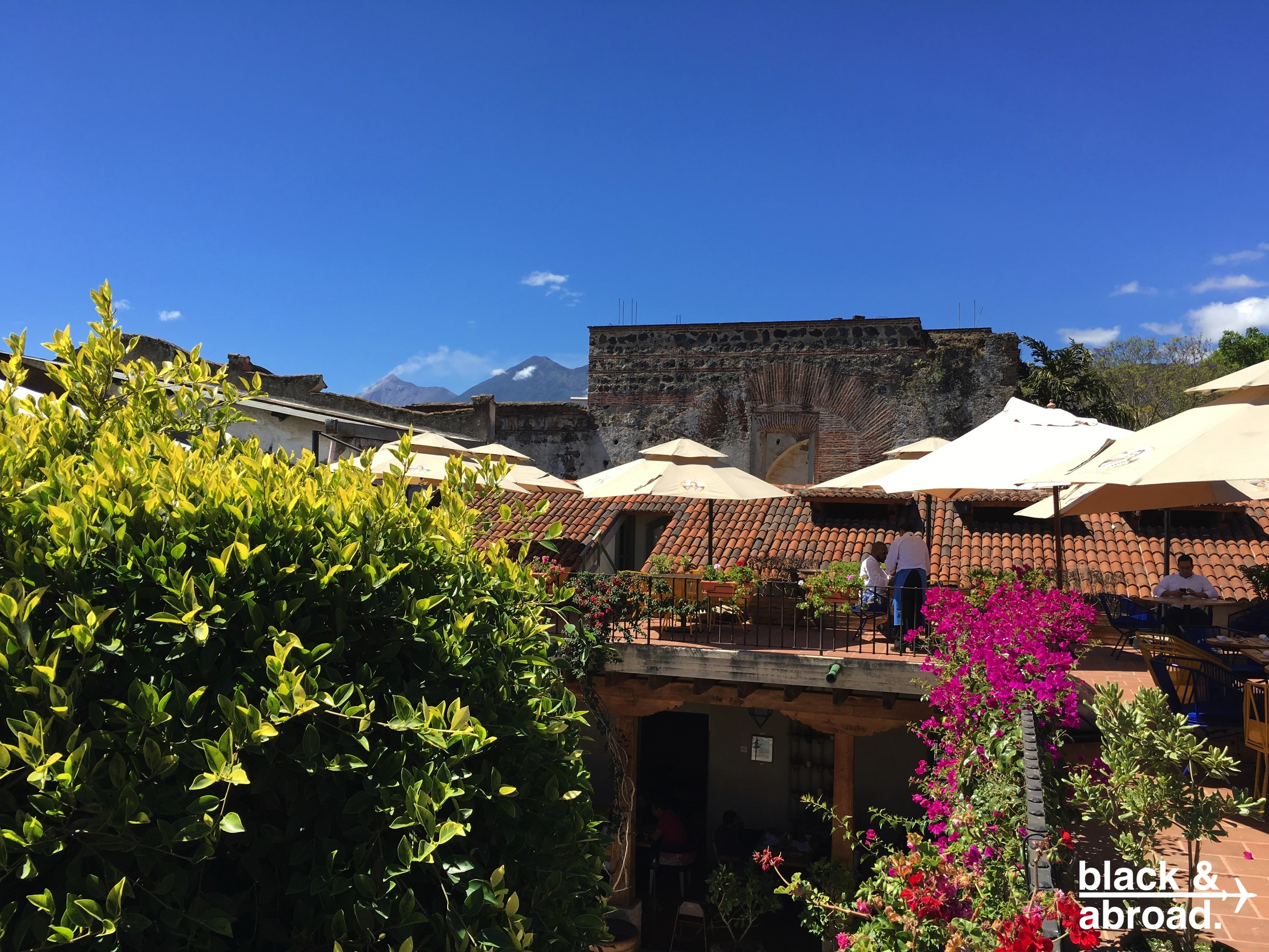 Enjoy a chill weekend lunch on Los Tres Tiempos' terrace.