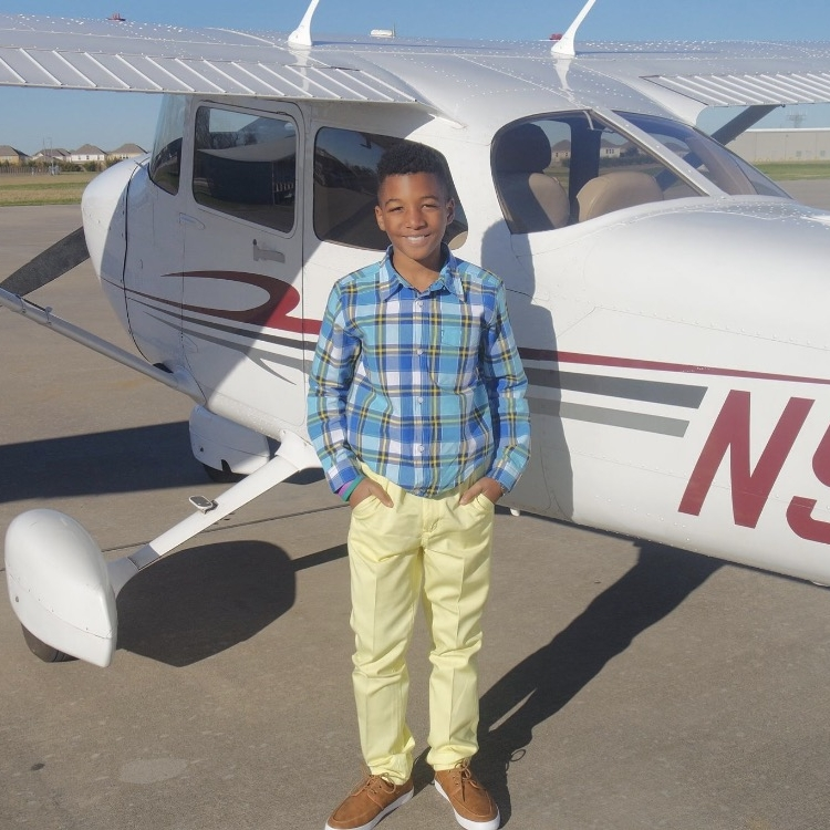 This week's conversation was curated by junior contributor Zavien Floyd, founding member of  www.weare4deep.com . This 10-year-old entrepreneur has aspirations of becoming a pilot, and as luck would have it, we were able to connect him with one. In his conversation with Curtis Austin, Zavien uncovers the pro's and cons of life as an airline transport pilot.
