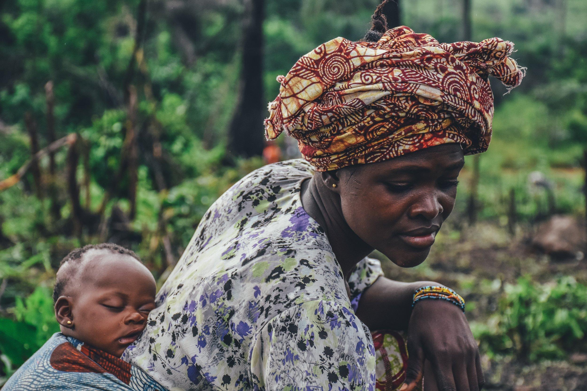 Mother & daughter in Sierra Leone