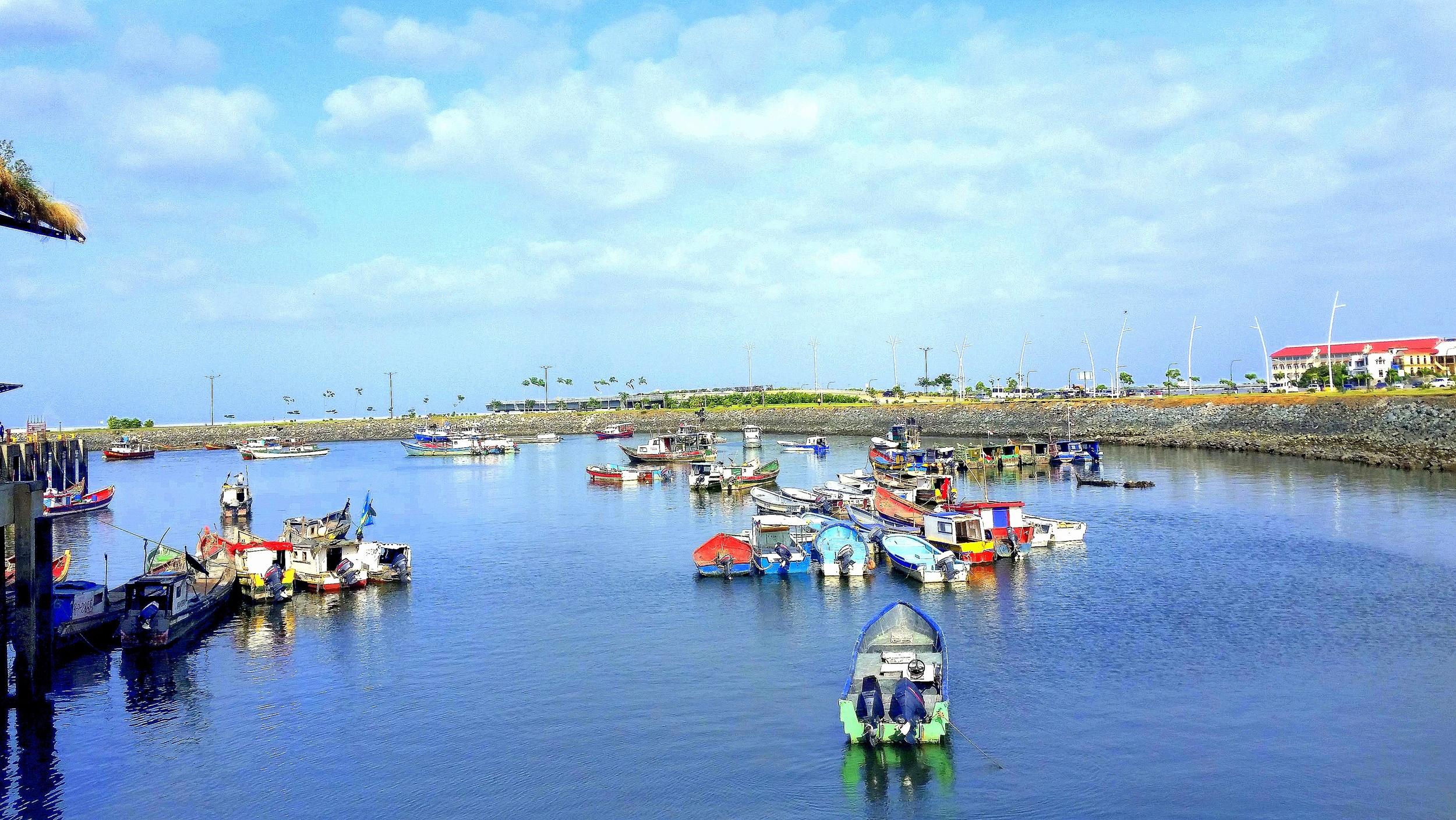 Fishing boats outside the Fish Market in Panama City