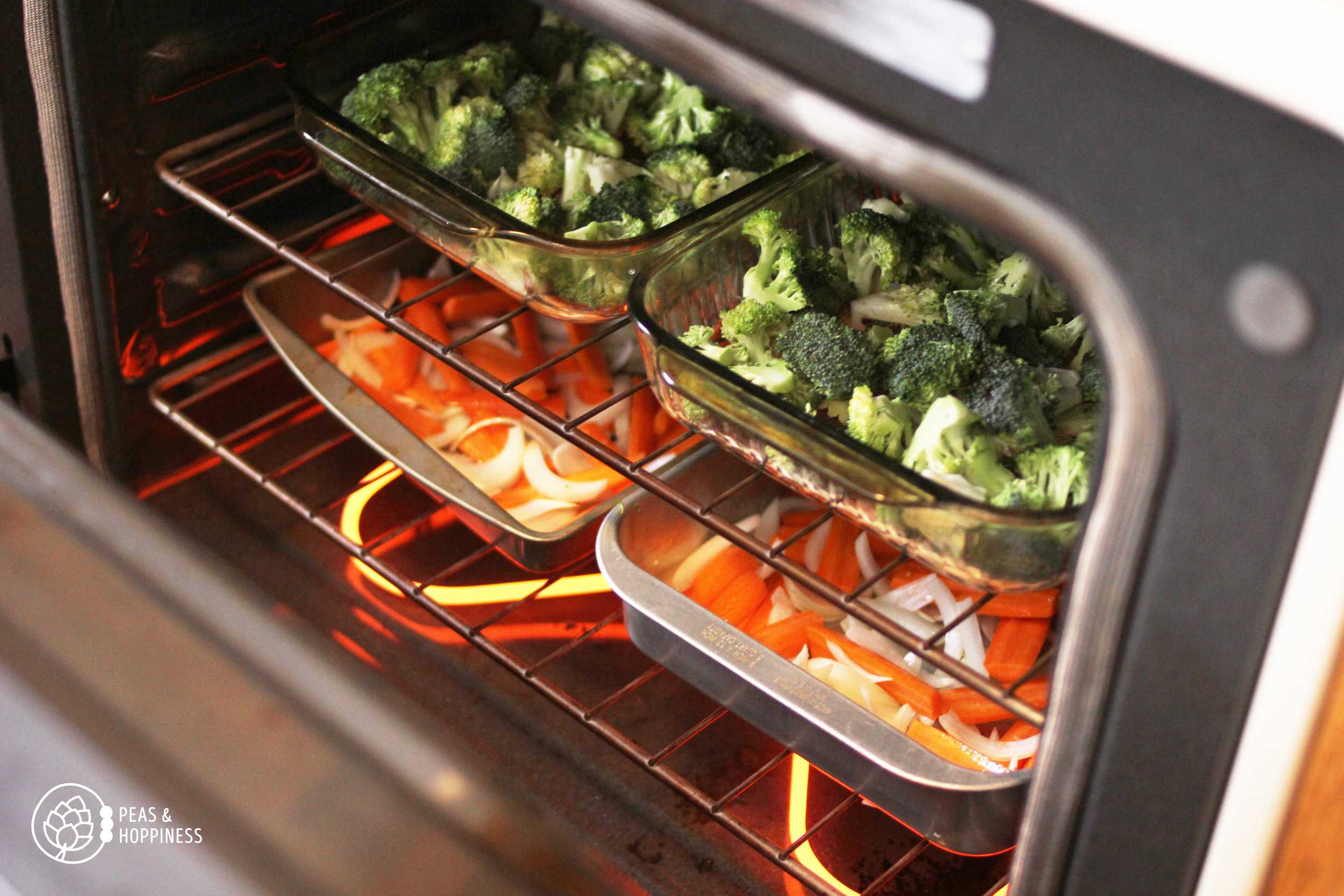 Brown Rice Bowls with Roasted Carrots and Broccoli from Peas and Hoppiness - www.peasandhoppiness.com