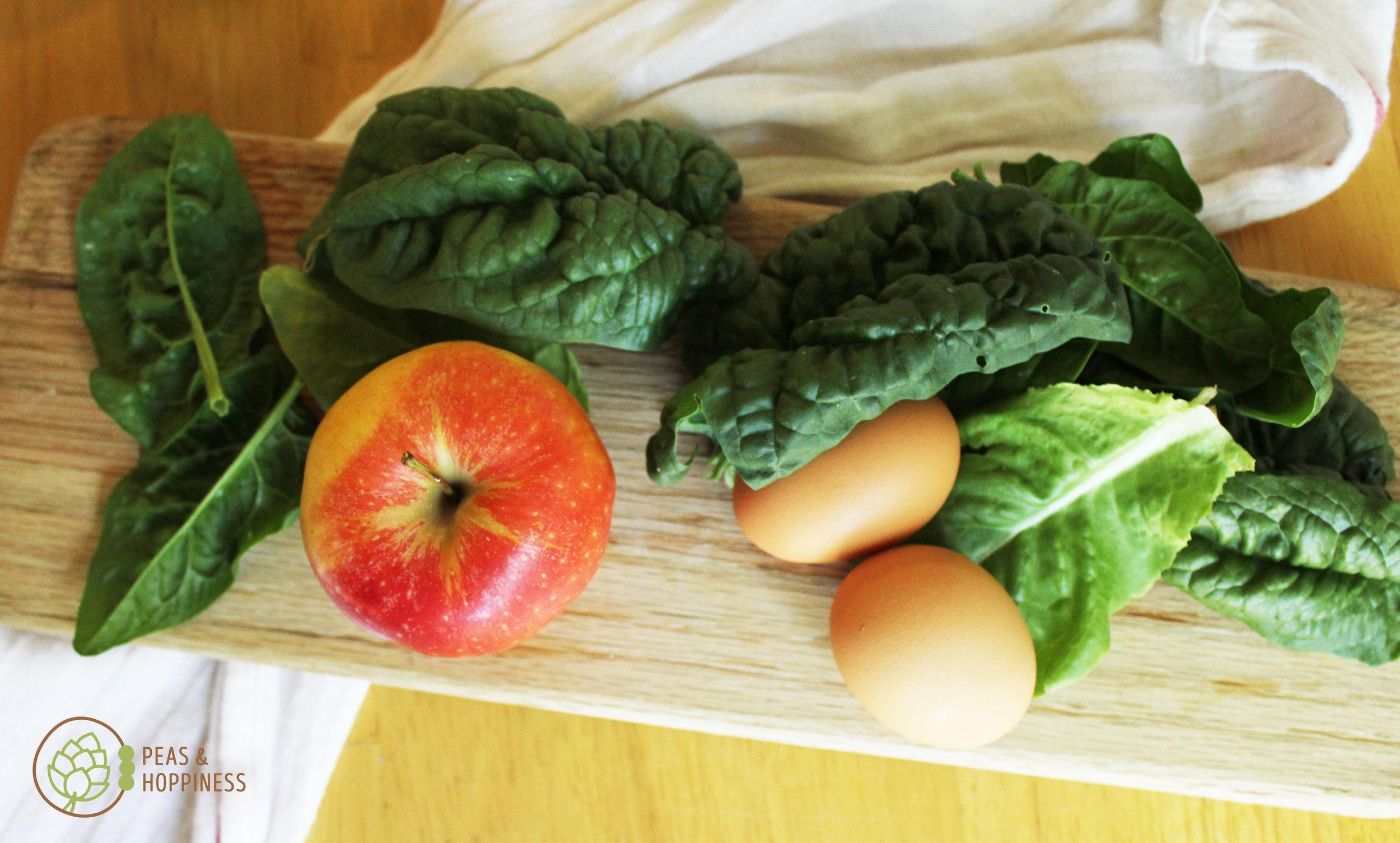 Lunch idea: hard boiled eggs + apple + spinach salad