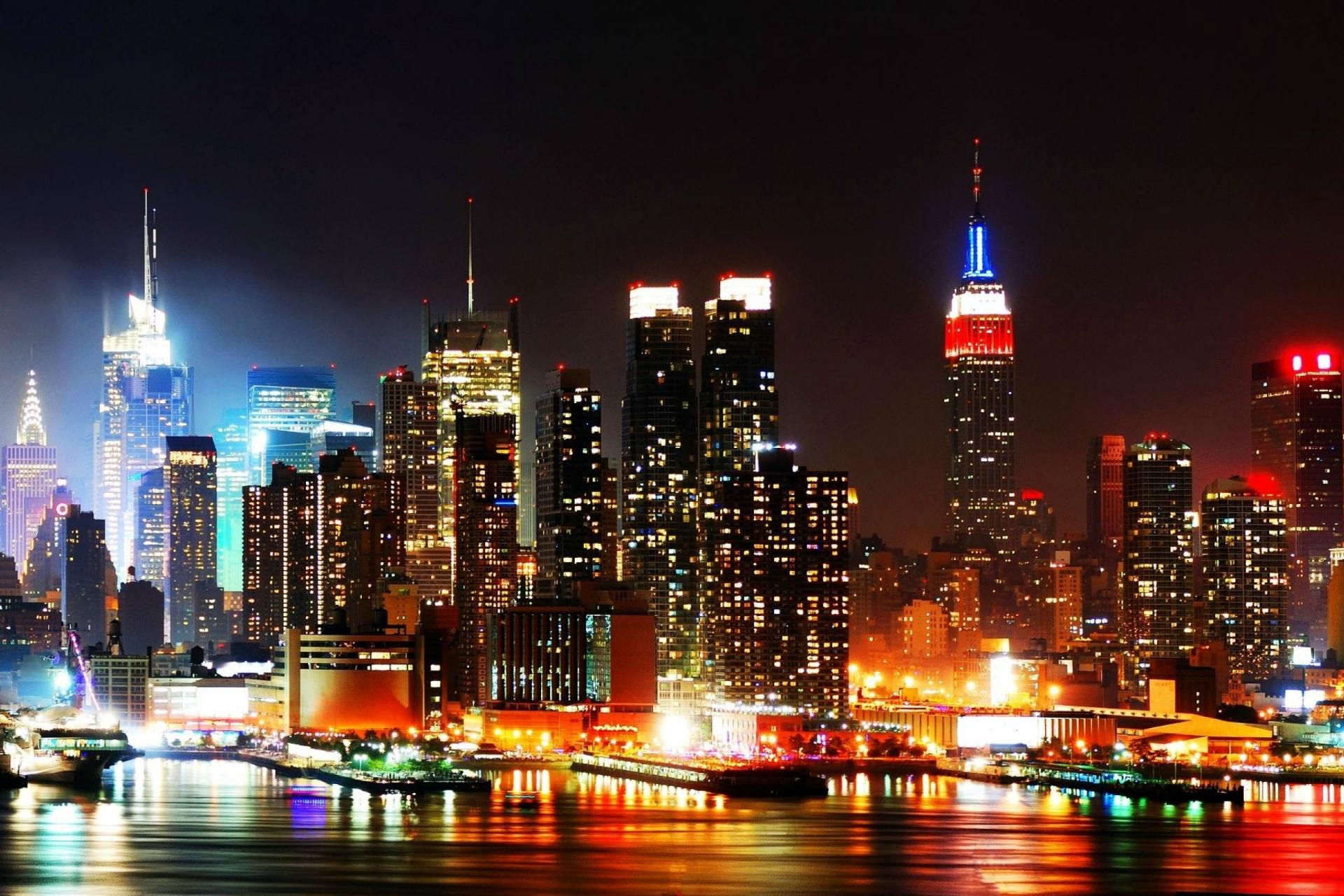 New-York-Skyline-At-Night-2560x1600-Wallpaper-background-glassfactory-nyc.jpg