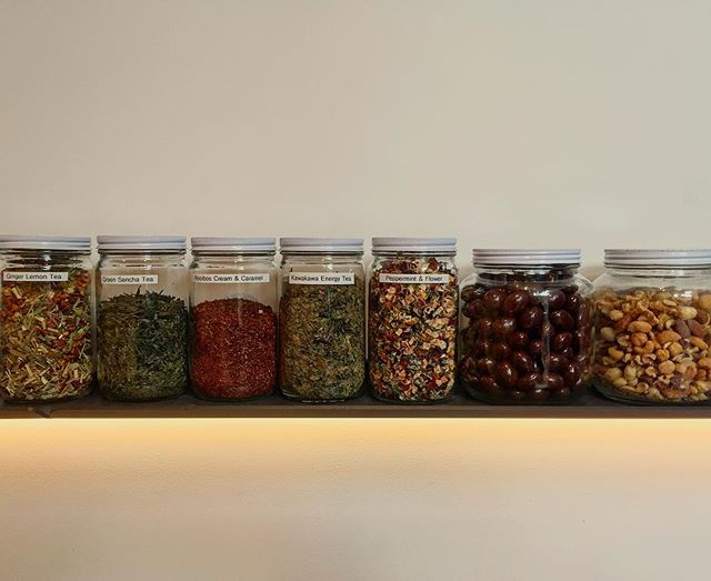 Teas and snacks on the top shelf - thanks for the refill @goodforstore