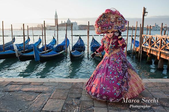 2012 Venice Carnival Atmosphere
