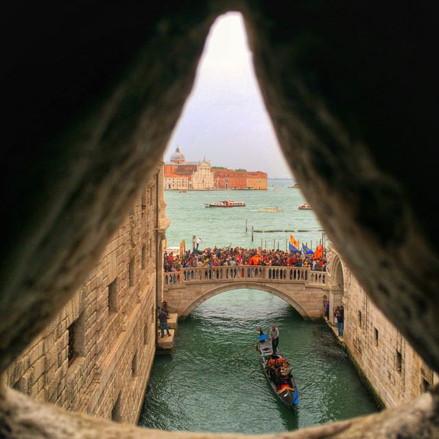 Alternative-Venice-Bridge-of-Sighs.jpg