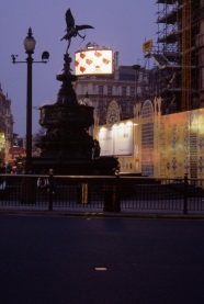Artonic, Piccadilly Circus