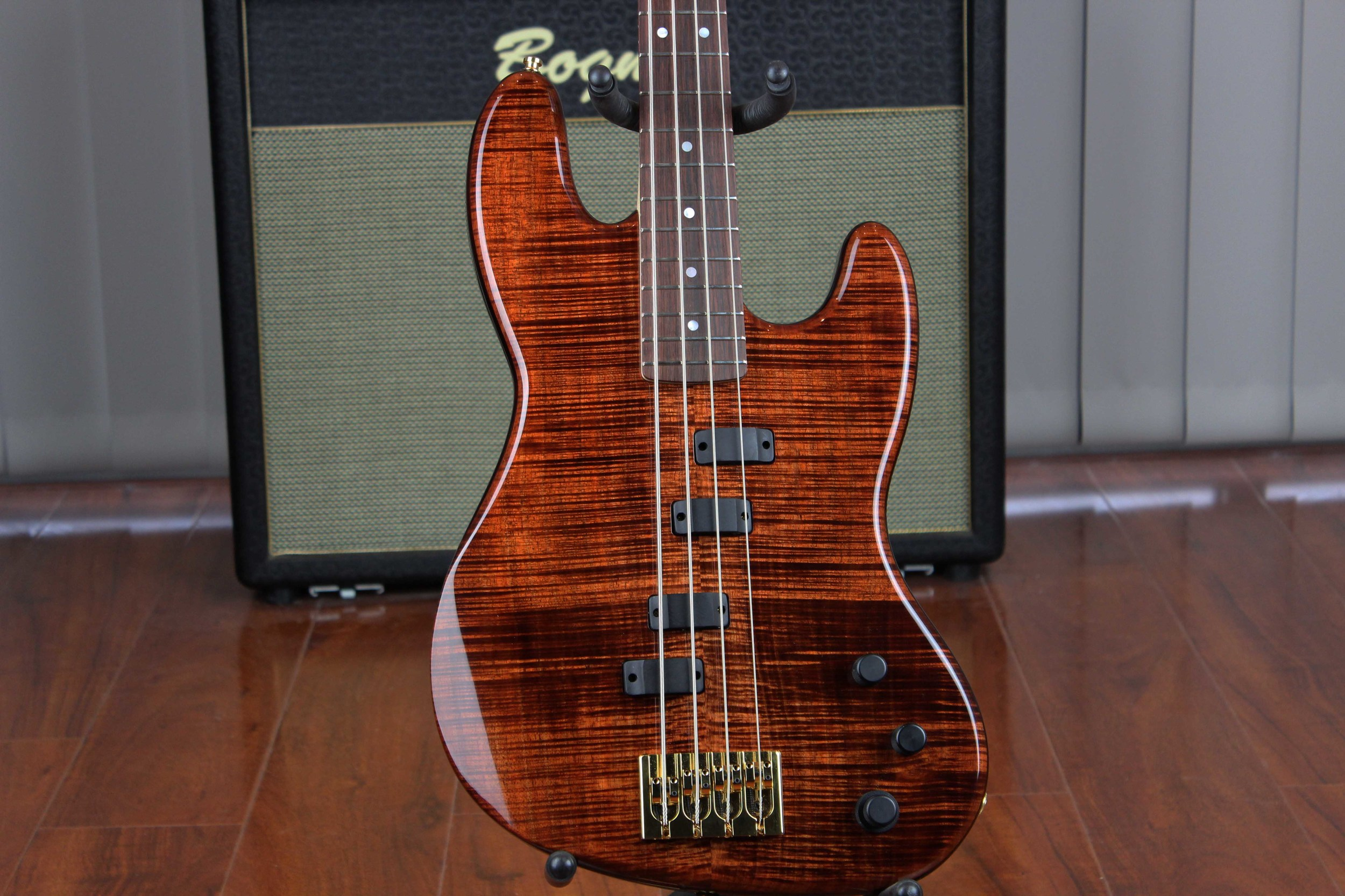 Custom Bass Australian Fiddleback Blackwwod Top Gzone pickup system.jpg