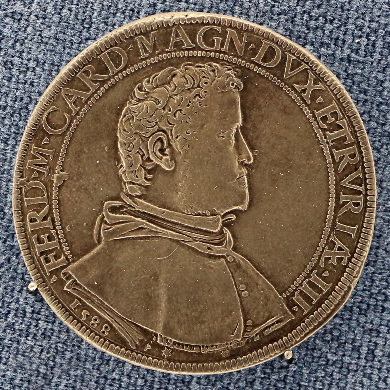 Firenze,_granducato,_piastra_di_ferdinando_I_de'_medici,_1588.JPG