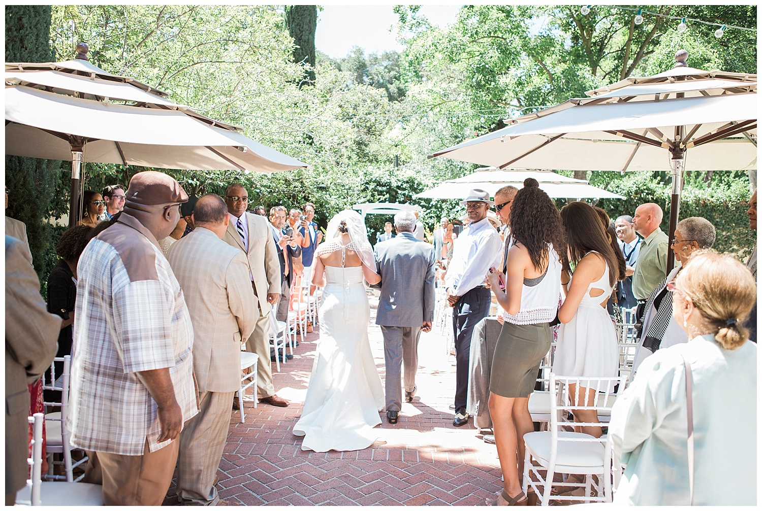 SACRAMENTO_WEDDING_VIZCAYA_PHOTOGRAPHY_SUNFLOWERS_NICOLEQUIROZ_09.jpg
