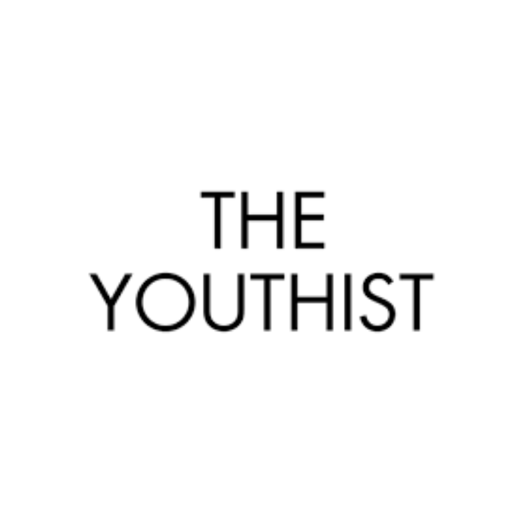"""THE NEW AGE GUIDE TO SKINCARE""   THEYOUTHIST.COM"