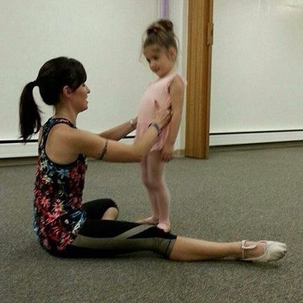dancer in class.jpg