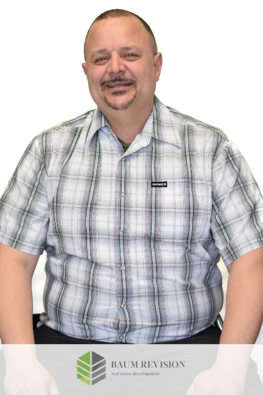 Miguel Vazquez - Maintenance Superintendente. mike@baumrevision.com