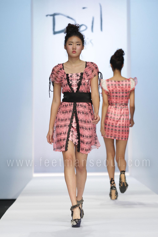 Doii Lee fashion show at Seoul Fashion Week SS2011 (Taken October, 2010)