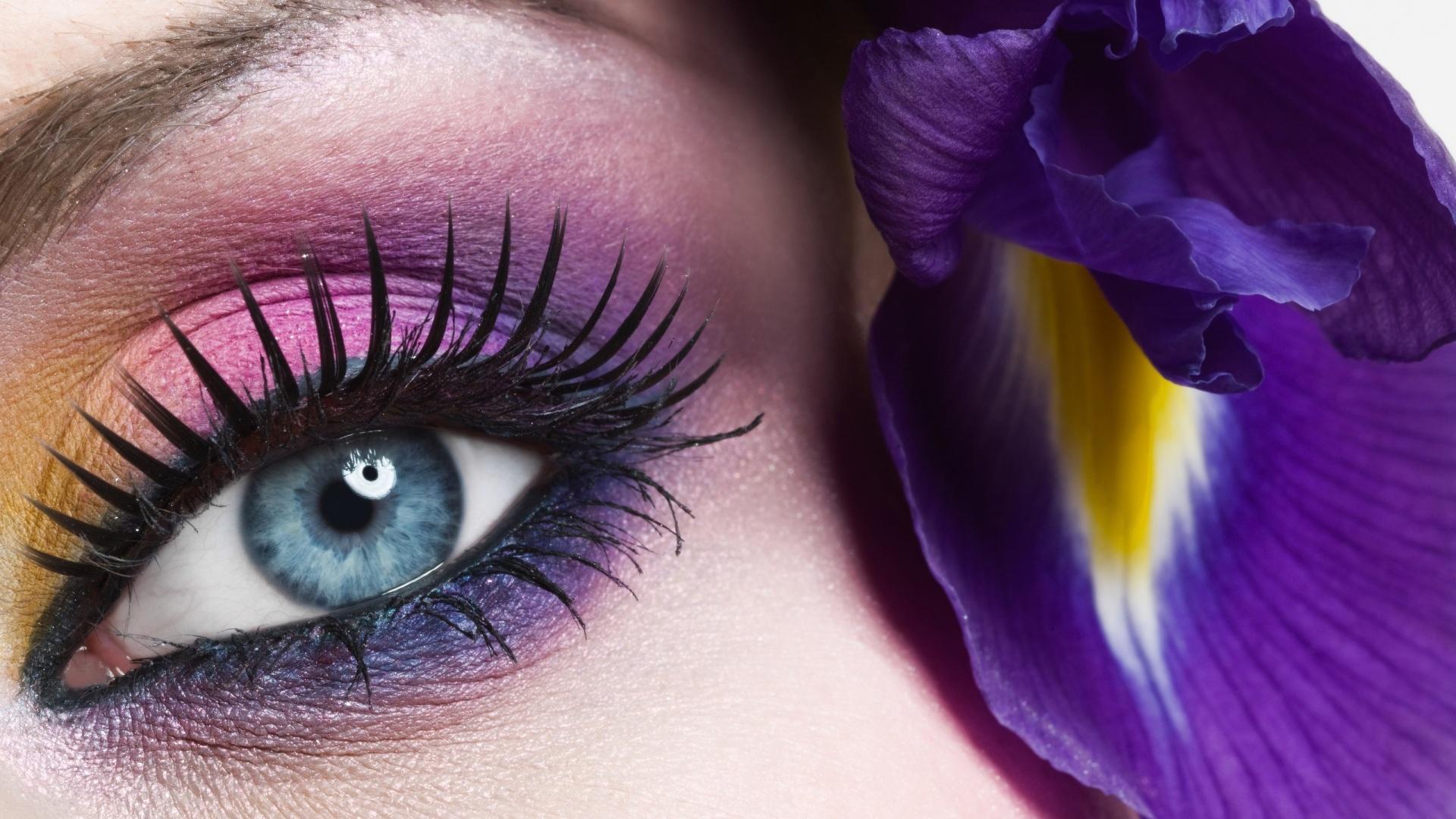 Purple-Eye-Makeup-1920x1080.jpg