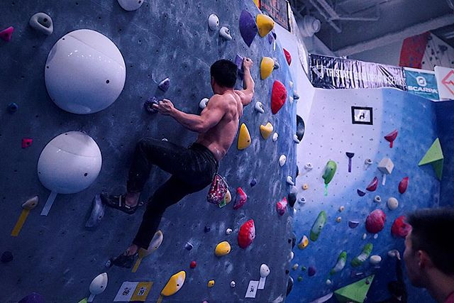 More from the morning session of the Gotham Citizen! Let us know your ig, and we'll tag you in the photos. #tristatebouldering 📷@karengracealegre