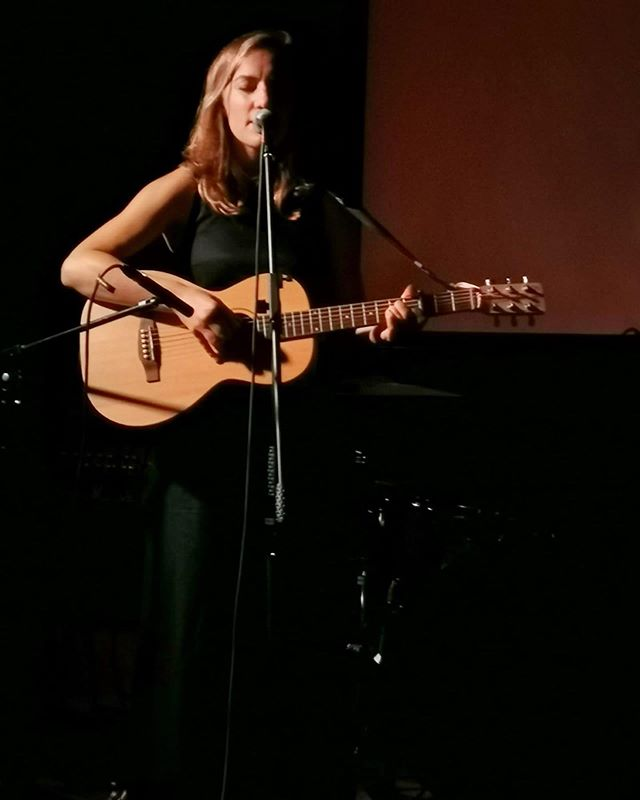 Last night in Margs was so special. Such a great thing to celebrate @teresalimbrick and her work. Thanks for coming out! ✨ . . . #singer #songwriter #live #film #community #folk #kent