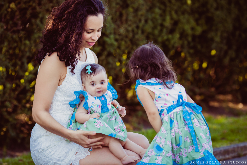 two little sisters + parents   cleveland, ohio lifestyle family photographer