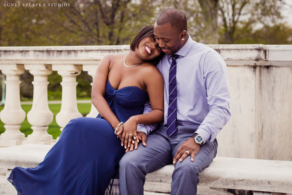 husband and wife-museum of art | cleveland engagement photographer