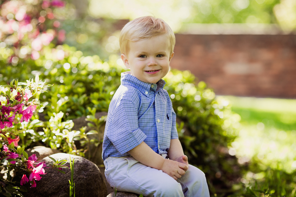 little brother sitting on rock | cleveland family photography
