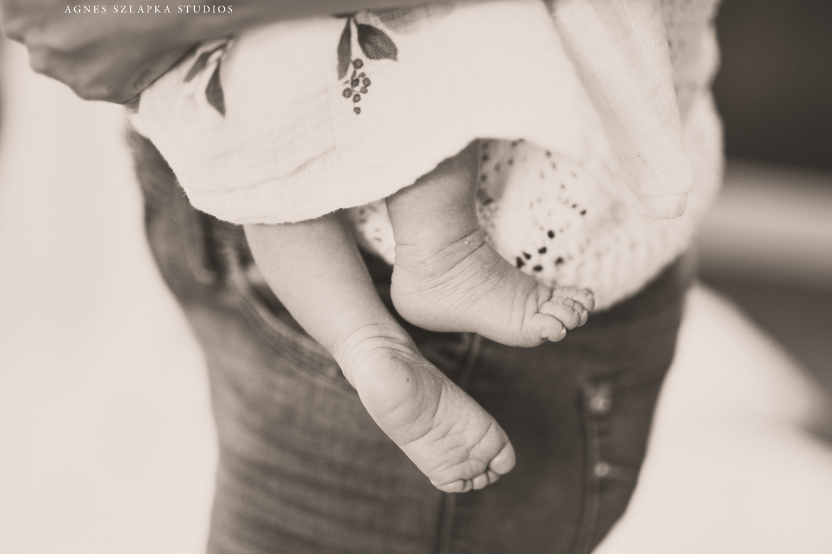 baby girl feet detail | cleveland, ohio newborn photographer